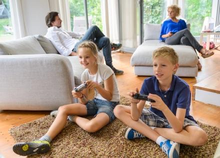 AVM_Famile_Gaming